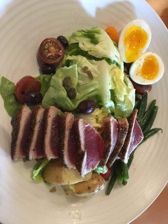 Лос-Гатос, Калифорния: Nicoise Salad -- Grill 57 Los Gatos, CA