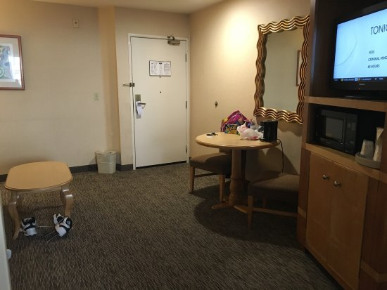 relaxing stay picture of portofino inn suites anaheim. Black Bedroom Furniture Sets. Home Design Ideas
