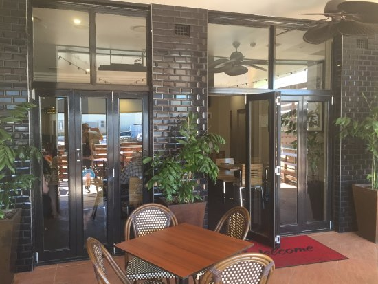 Beaudesert Hotel: Outdoor patio dining