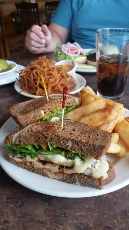 Zoey's Double Hex Restaurant: 20160910_121529_large.jpg