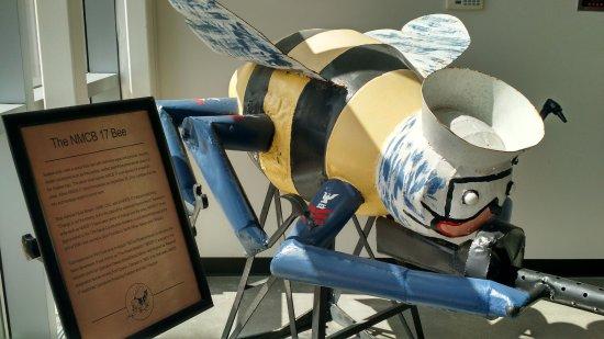 Port Hueneme, Kalifornia: The Seabee mascot