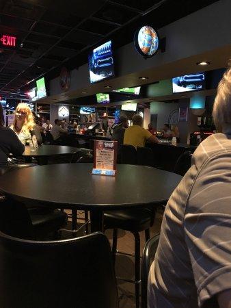 West Fargo, ND: Pub West