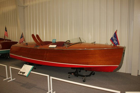 The Mariners' Museum & Park: One of the many small boats on display