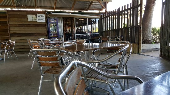 Rathdowney, ออสเตรเลีย: Good country pub with great food and cold beer.