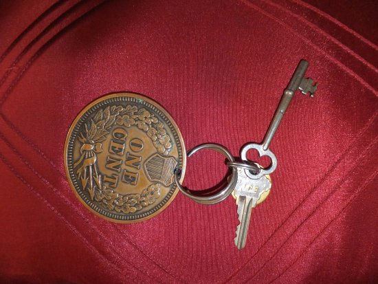 Georgetown, CA: You get an old style key for your room!