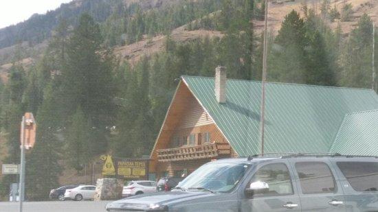 Pahaska Teepee Resort: IMAG0812_large.jpg