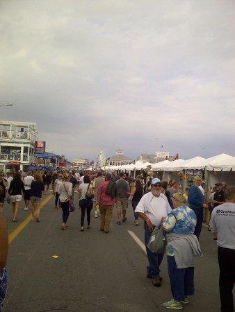 Hampton Falls, NH: The boulevard and vendor tents