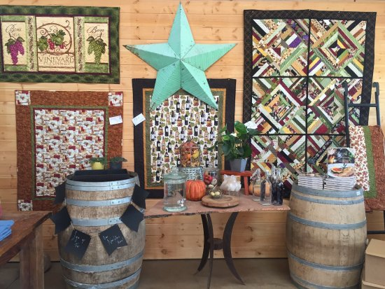 Elgin, AZ: Fall at Callaghan Vineyards