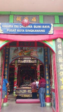 Vihara Tri Dharma Bumi Raya