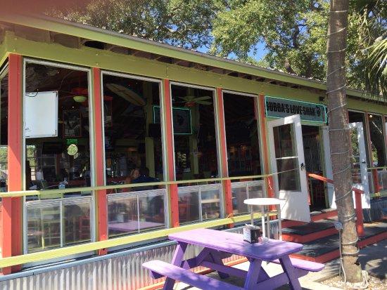 Bubba's Love Shak : The patio area, where there are several picnic tables...