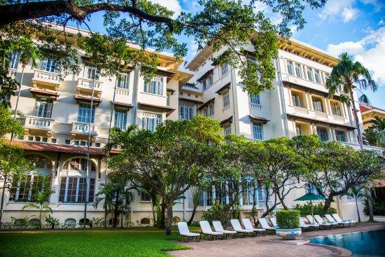 Raffles Hotel Le Royal - Exterior