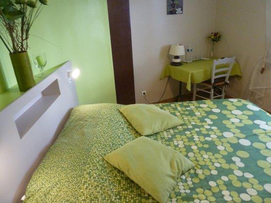 Aramon, France: Chambre double