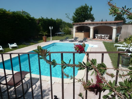 Aramon, France: Piscine