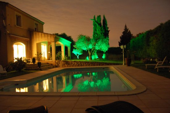 Aramon, Франция: Maison la nuit
