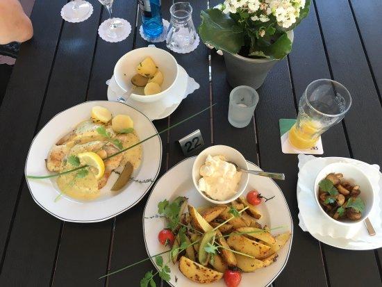 Esens, Alemania: Vegetarisch und nicht vegetarisch. Etwas für jeder zu finden.