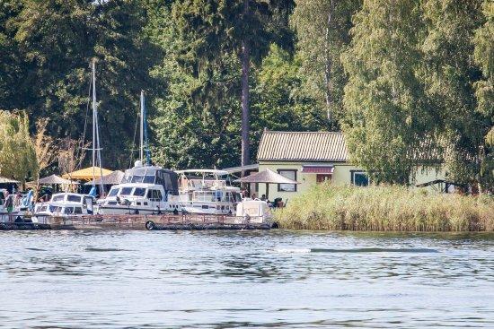"""Heidesee, Deutschland: """"Zur Fischerhütte"""" vom Woltziger See aus betrachtet"""