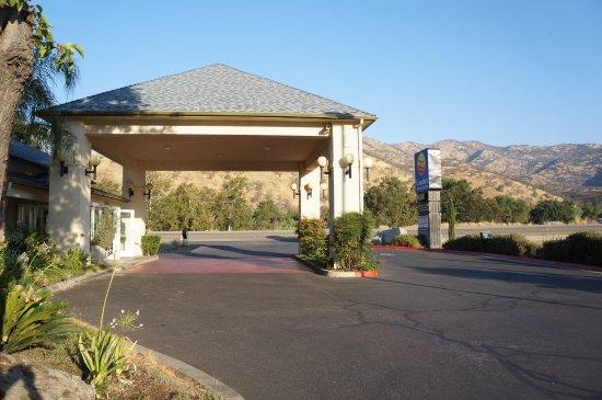 Three Rivers, CA: Het hotel ligt prachtig in de natuur