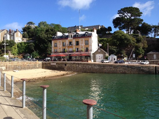 Plouer sur Rance, Prancis: Tip: take boat from Dinard to St.Malo
