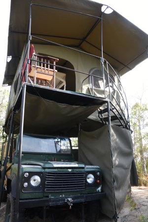 Saadani National Park, Tanzania: Land Rover Tent Babs Camp