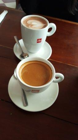 The Sun : Café & chocolat chaud
