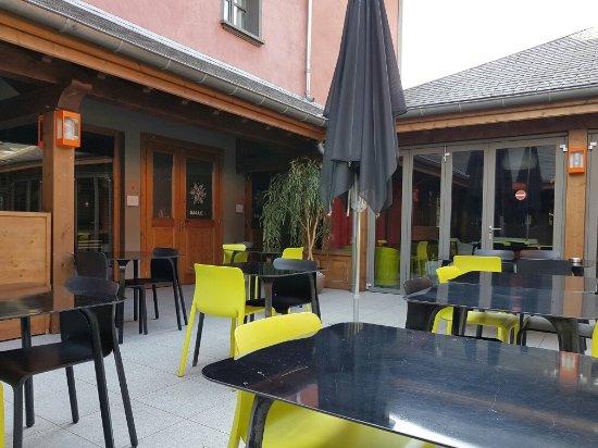 Restaurant la maison rouge foto van restaurant la maison for Restaurant la maison rouge chambery