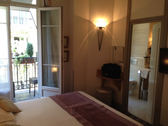 Hotel Residence Foch: Room with Balcony