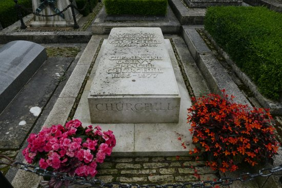 Bladon, UK: Churchills grave
