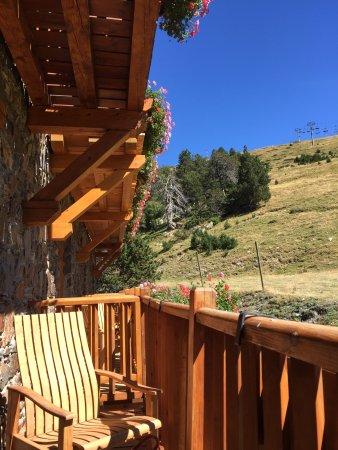 Grau Roig, Andora: habitacion parte trasera del hotel.