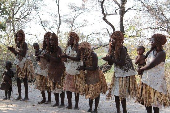 Rundu, Namibia: śpiew i taniec