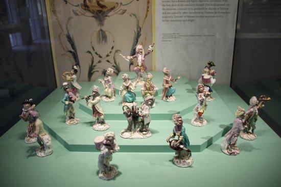 Gardiner Museum : 18th Century Meissen Monkey Band