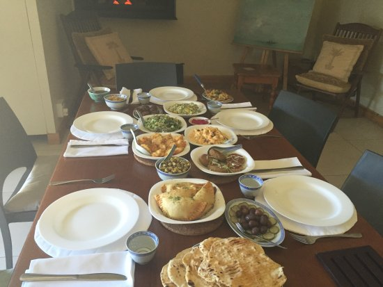 Caledon, Güney Afrika: Meze lunch in our ZOOOP room