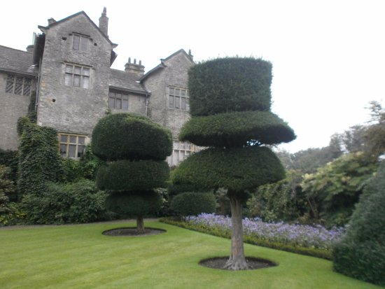 Kendal, UK: Levens Hall and topiary