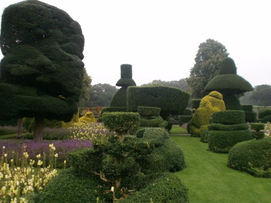 Kendal, UK: Topiary garden