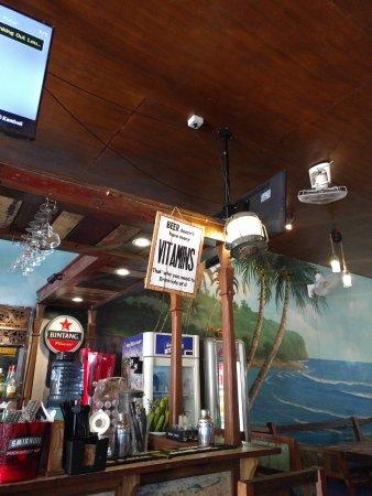 Wayan & Friends: Innenansicht Bar