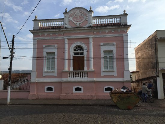 Museu Municipal de Monte Santo de Minas, situado no Jardim Velho