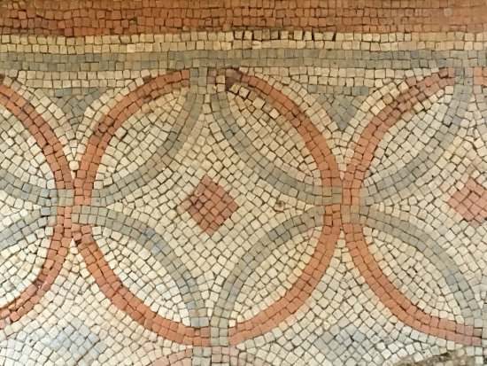 Yanworth, UK: Some of the Roman mosaics inside the villa.