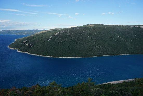Plomin, Kroatien: Vue de la promende circulaire