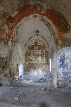 Fiscal, İspanya: The painting inside the church is fading