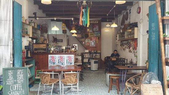 Alley No.5 Cafe: Latte