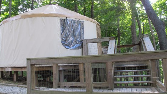 Cumberland, OH: One of the yurts, queen size bed.