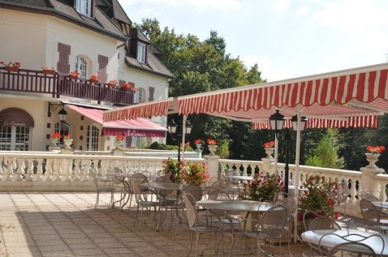 Gouvieux, Frankrike: sur la terrasse