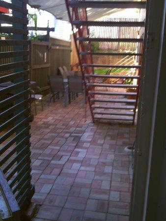Kookaburra Inn: Outdoor communal area