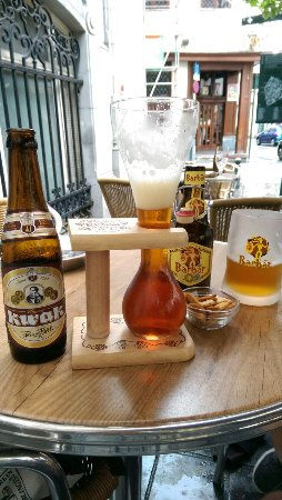 Kwak beer and Barbär!! - Picture of Poechenellekelder, Brussels ...