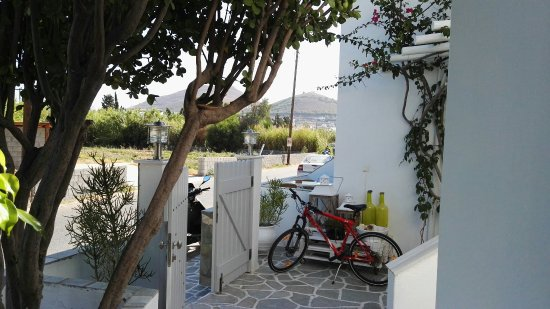 Cyclades Hotel and Studios: IMG_20160815_095555_large.jpg