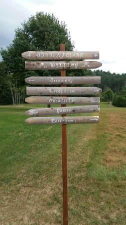 Great River Outfitters And The Path of Life Garden: Wonder venue for a wedding!