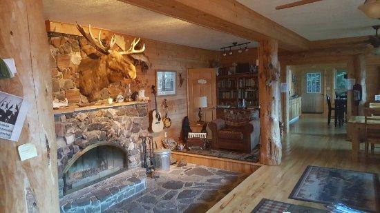 Cross River Lodge: 20160907_191807_large.jpg