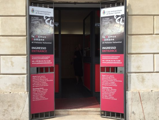 Le Domus Romane di Palazzo Valentini: photo0.jpg