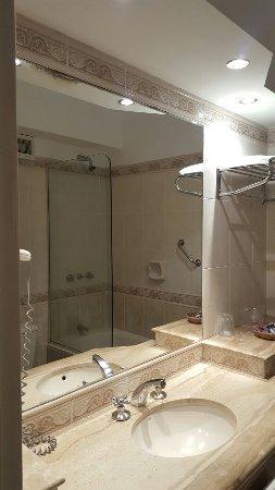 Ermitage Hotel: 20160907_032307_large.jpg
