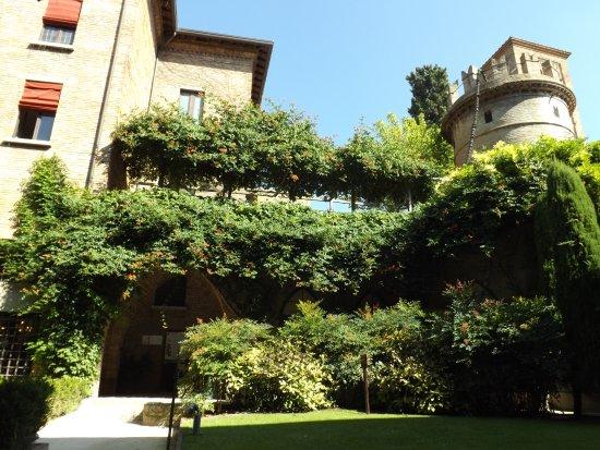 Giardini pensili particolare foto di cripta rasponi e - Giardini pensili immagini ...