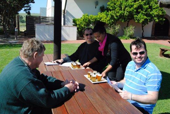 Stanford, Zuid-Afrika: Tasting beer at the Birkenhead Brewery
